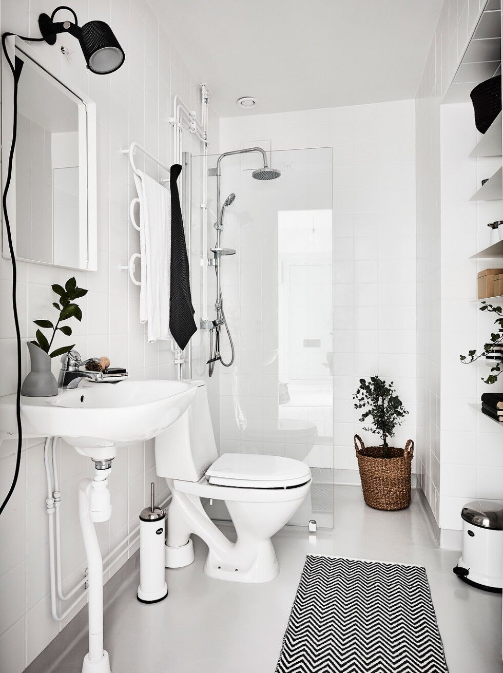 Gröna växter i badrum