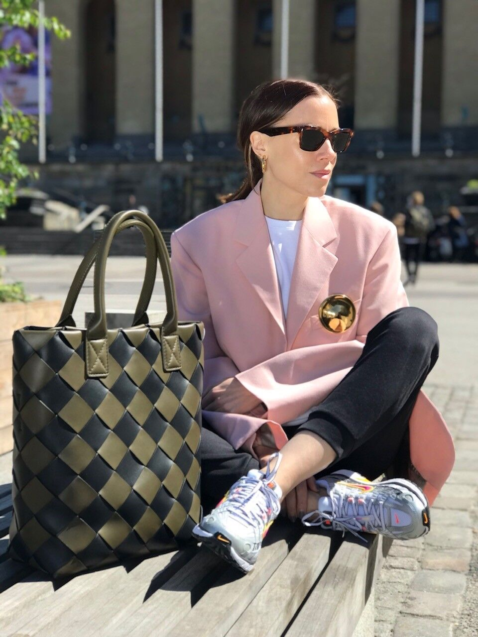 Pink Blazer Avenyn