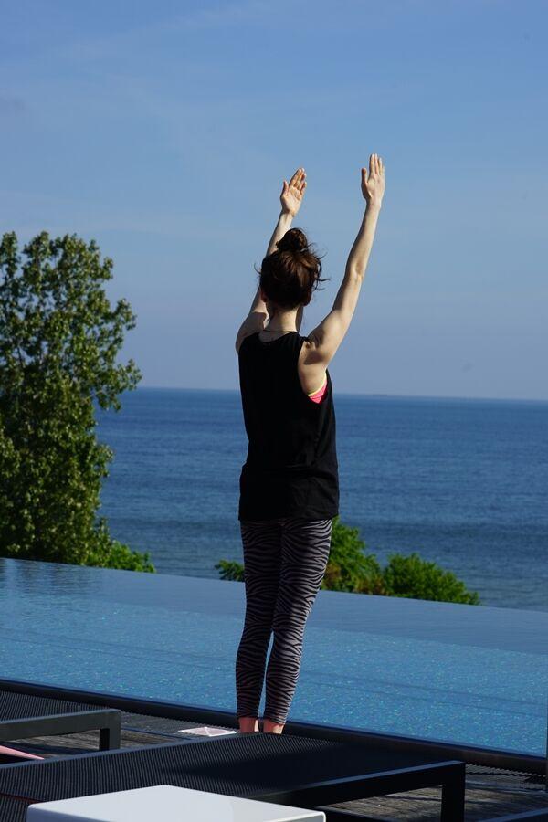 Vid takpoolen på Mera hade några ett Yogapass. Snacka om sinnerso