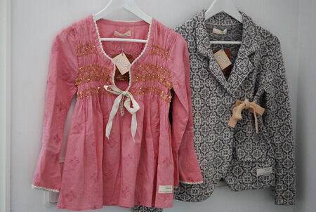 "Sparkly Remix Blouse i färgen Lite Pink & Lovely knit i färgen ""grey"""