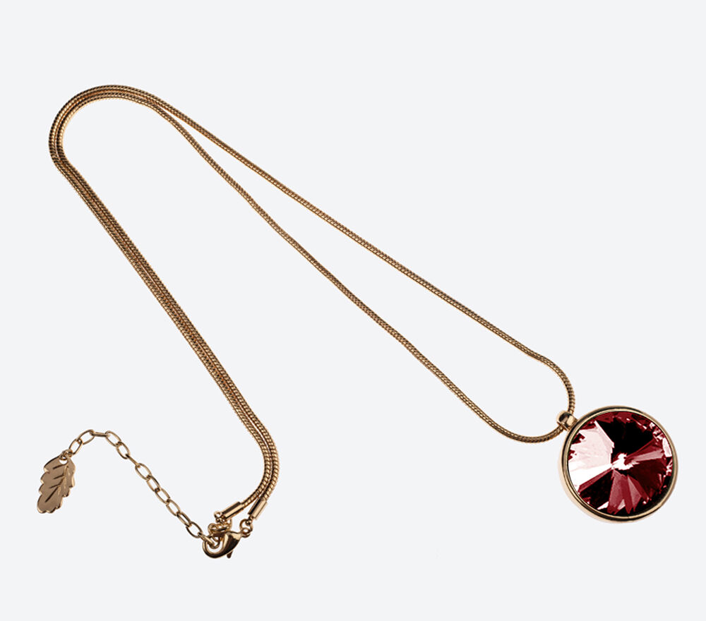 the-zen-amulet-gold-winered-75