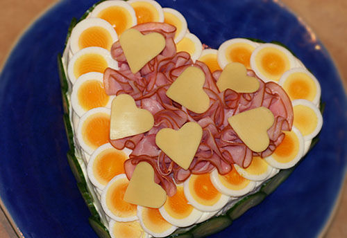 alla_hjärtans_smörgåstårta_hjärtform_hjärta_tårta