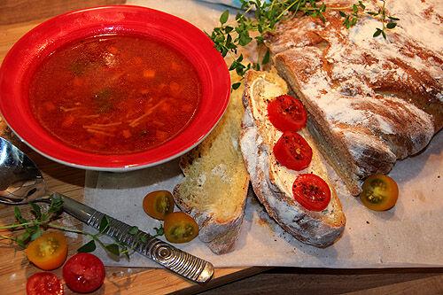 tomatsoppa_pasta_bröd_