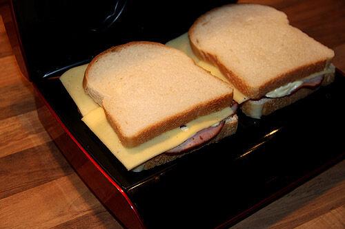 obh_nordica_smörgåsgrill_toast_ost_skinktoast