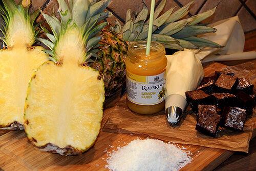 dessert_kladdkaka_ananas_lemoncurd_spett
