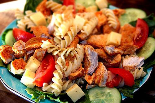 kyckling_kycklingfile_pasta_sallad