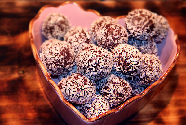 dadelbollar_dadlar_kokos_raw_food