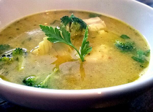 fisksoppa_torsk_kokosmjölk_broccoli_recept