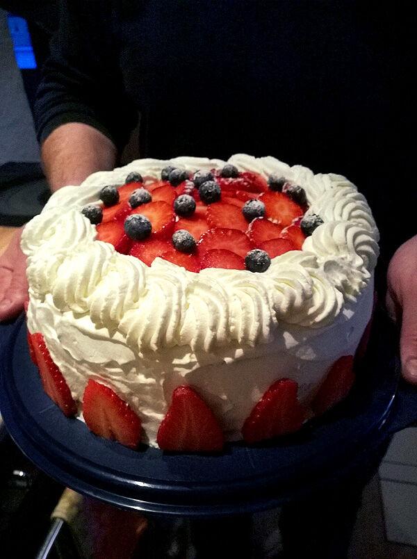 tårta_blåbär_gräddtårta