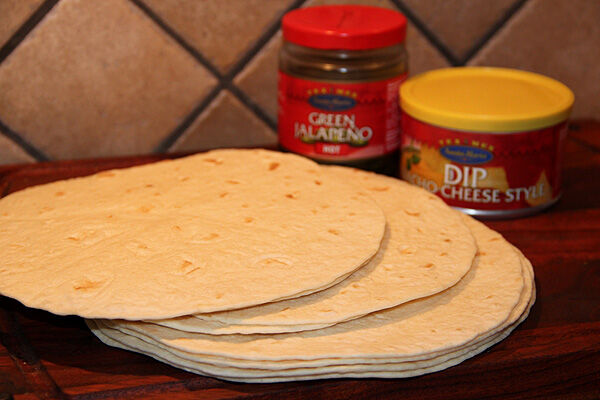cheese_dip_chilicheese_tortilla