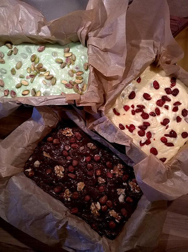 fudge_choklad_vitchoklad_julgodis_jul_godis_recept_kondenserad_mjölk_fudge