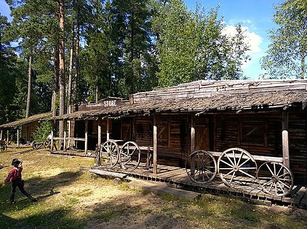 high_caparall_sommar_äventur_upplevelse_smålad_hillerstorp_gnosjö_semester_kryddburken_tåg_lok_nöjespark_evenemang_sveriges_starkaste_man