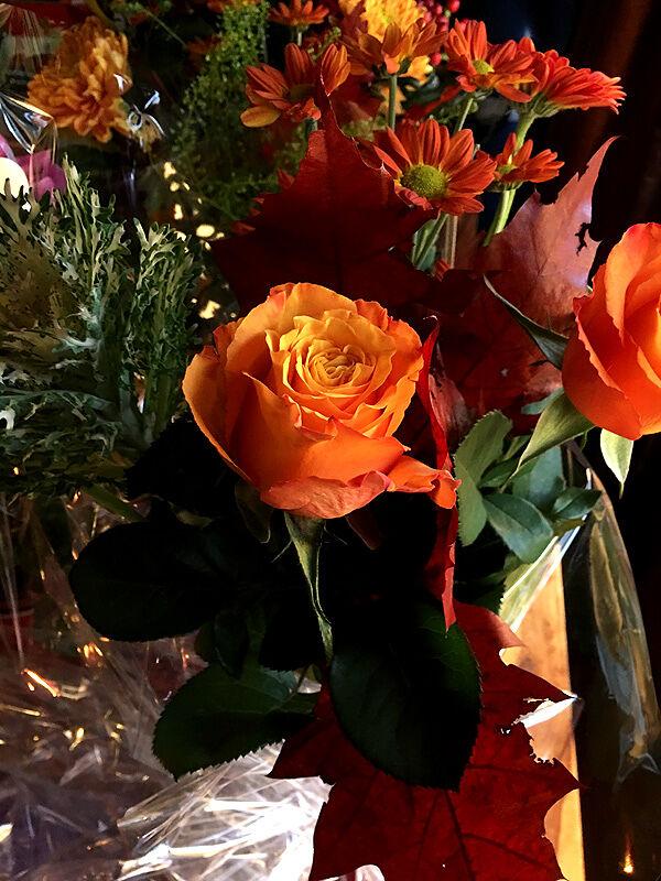 kryddburken_fodelsedag_blommor_bukett_tarta_smorgastarta_olandstarta_sockerkringlor_ljuslycktor_fira_fest_kalas_recept