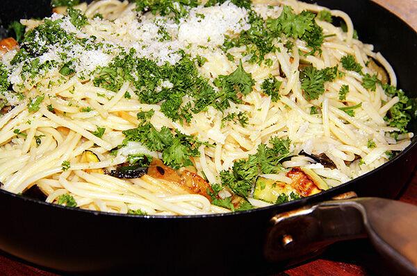 pasta_spagetti_parmesan_vegetariskt_recept