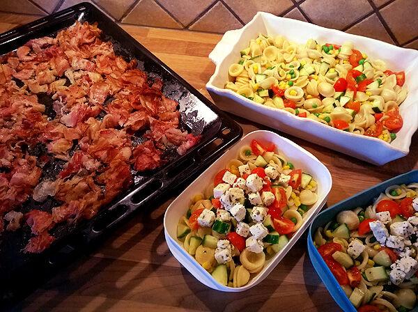 pastasallad_bacon_matlådor_lunch_kall_mat