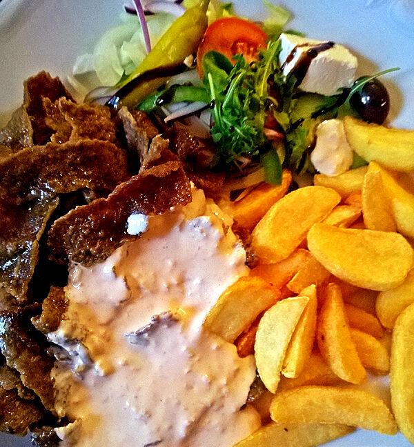 robertos_färjestaden_restaurang_öland_kebabtallrik
