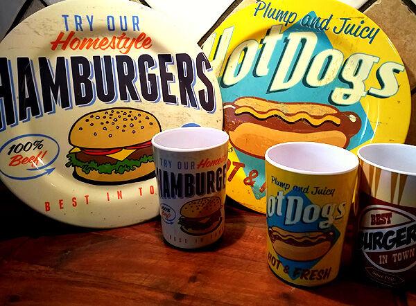 tallrikar_muggar_burger_hot_dogs_retor