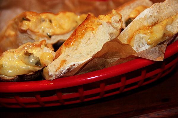 varma_toast_fyllning_ostfyllning_lök_majonäs