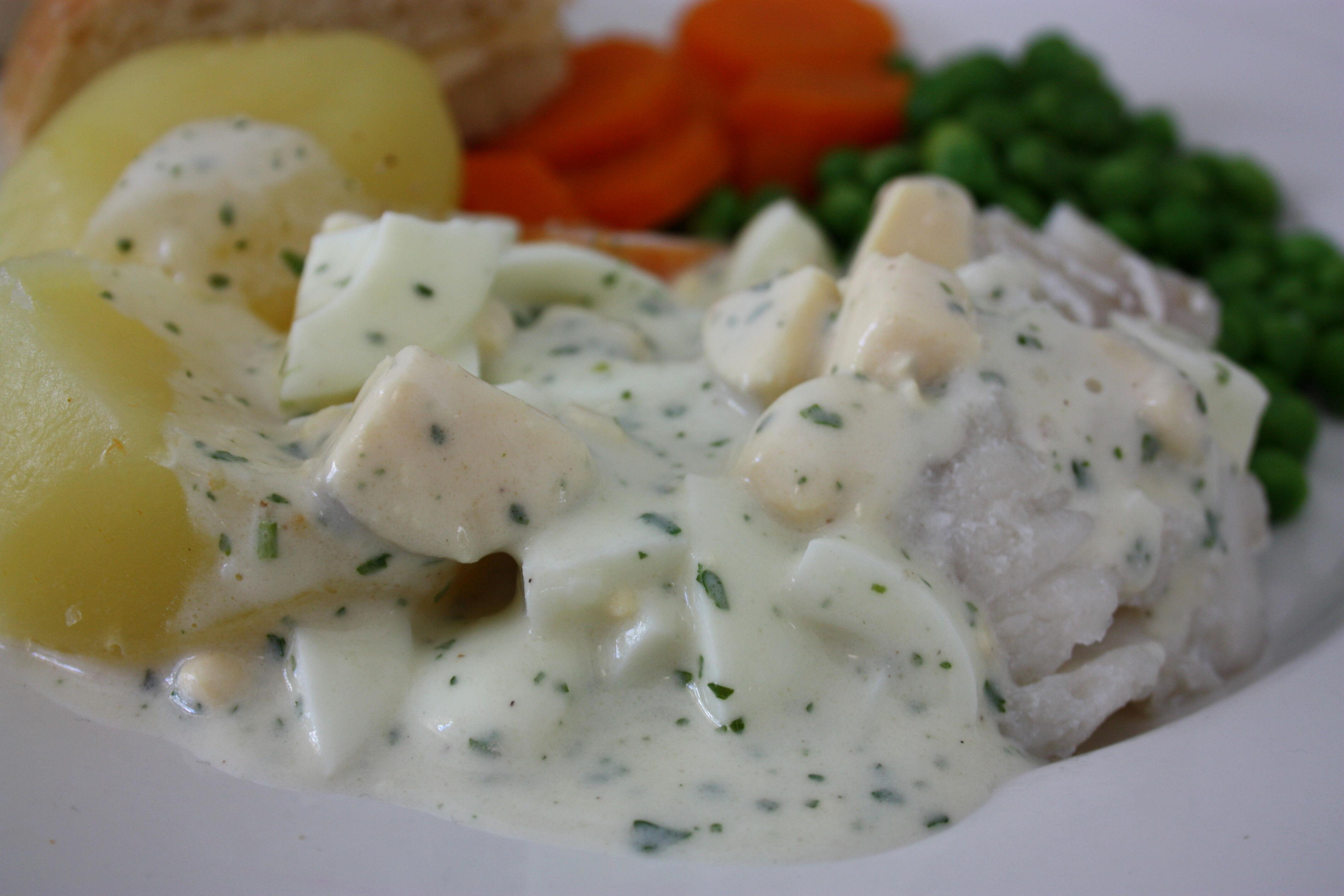kokt torsk äggsås