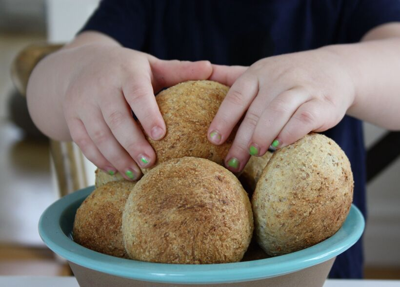 nyttigt hembakat bröd