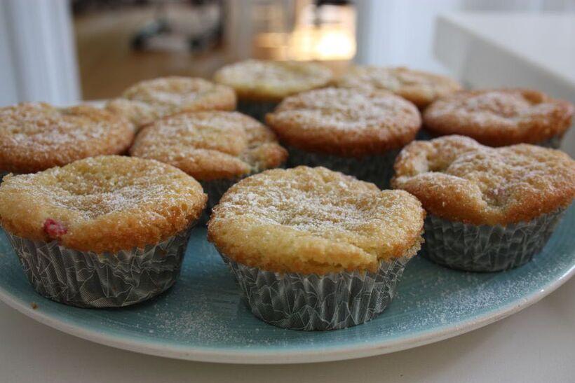 rabarberbitar muffin