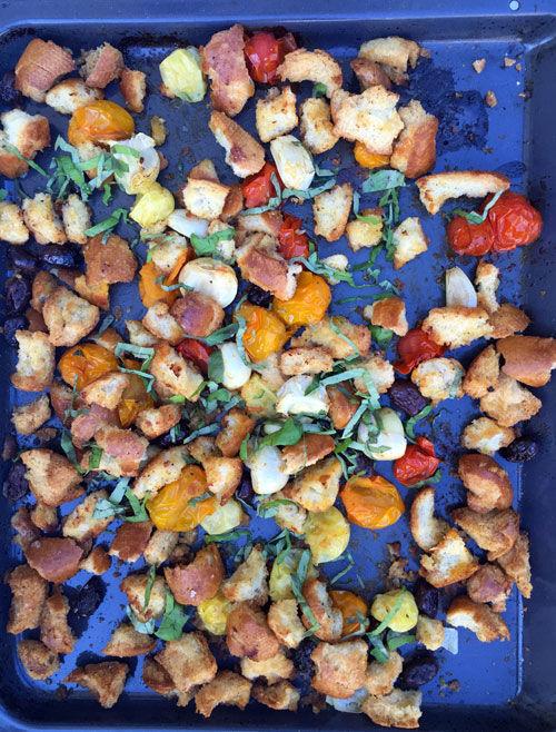 Ugnrostad ciabatta, tomater, vitlök och oliver