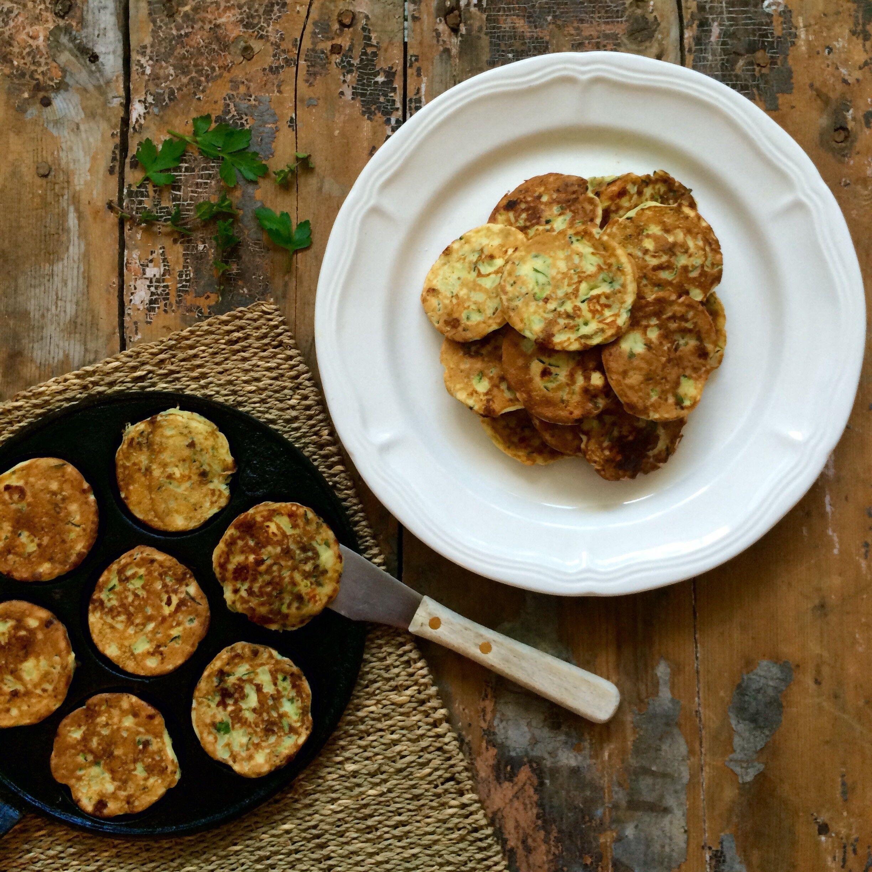 Zucchini- och fetaplättar med mynta