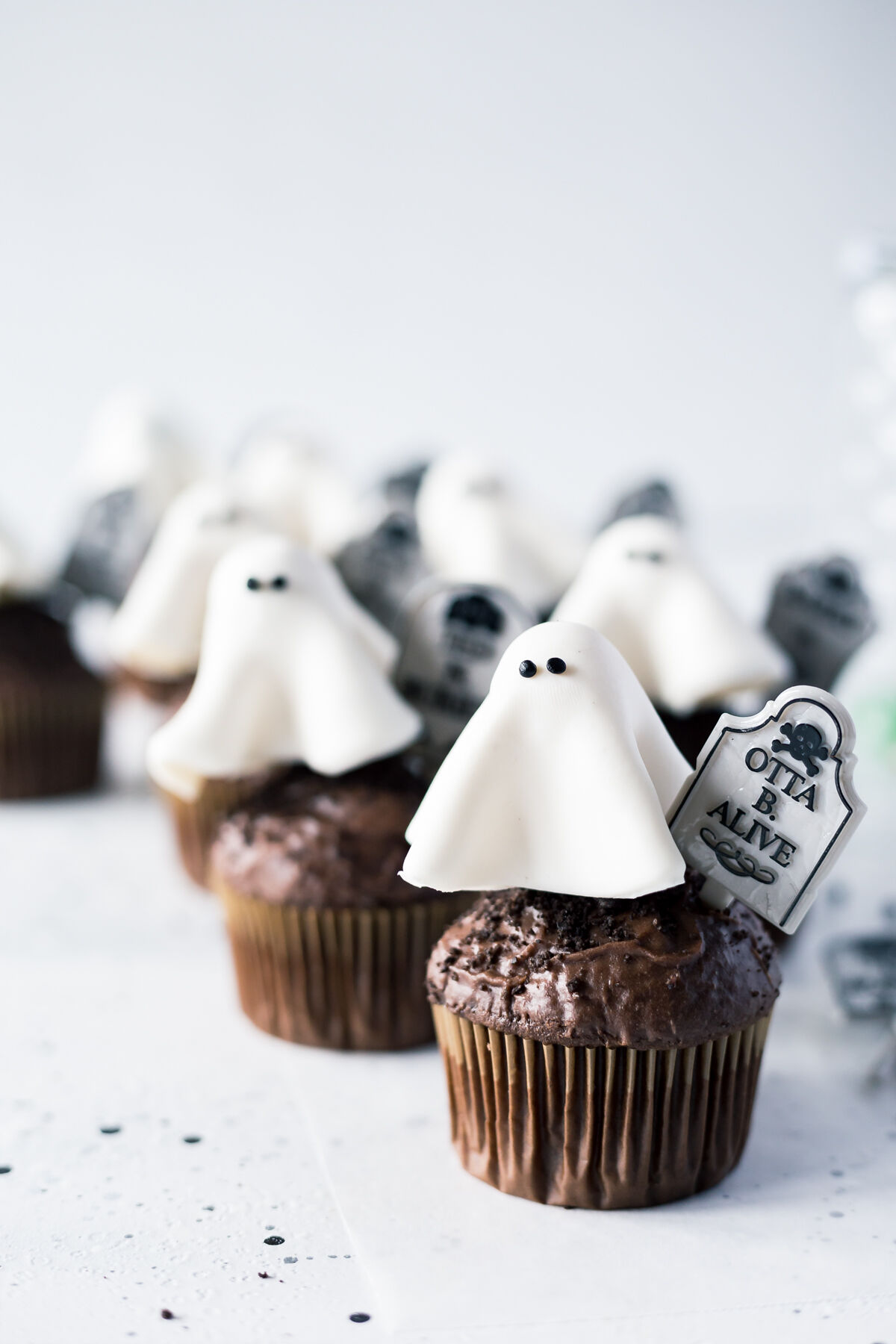 Ghost-Cupcakes-4