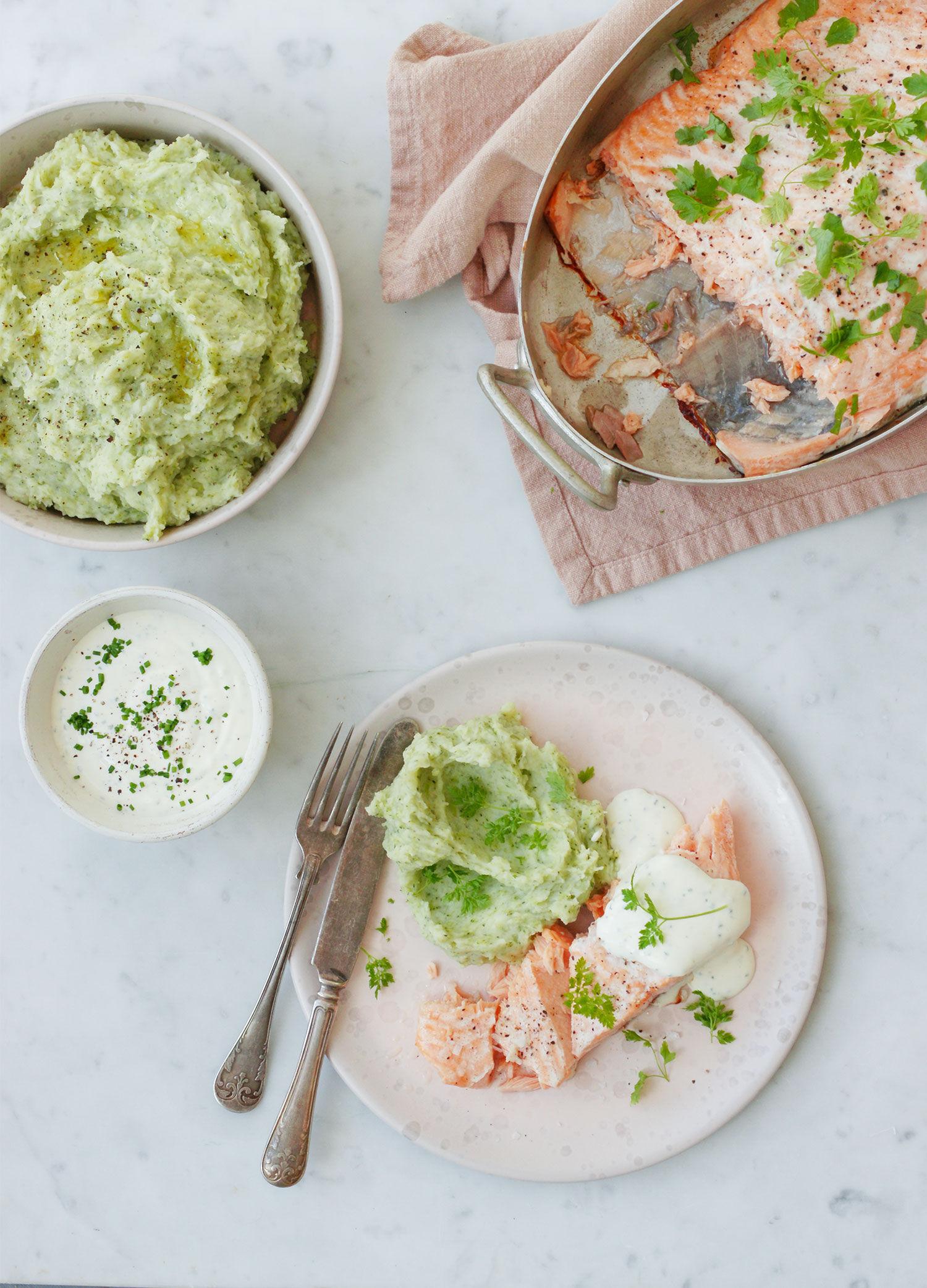 Lax med broccoli- och potatismos samt krämig örtsås