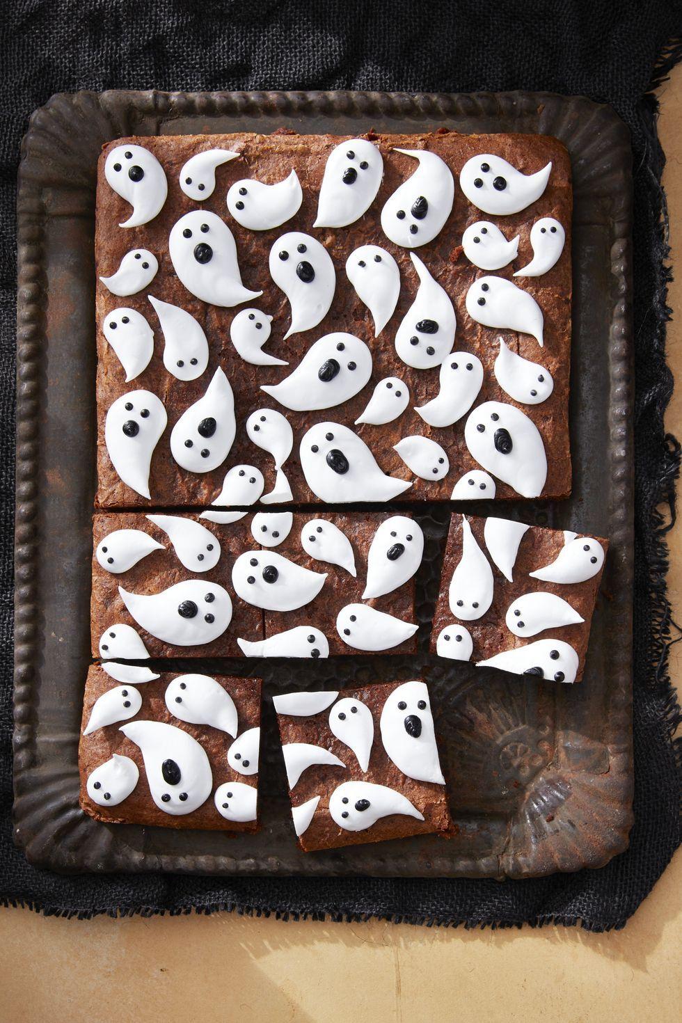 marshmallow-ghost-brownies-halloween-recipe-1567797039