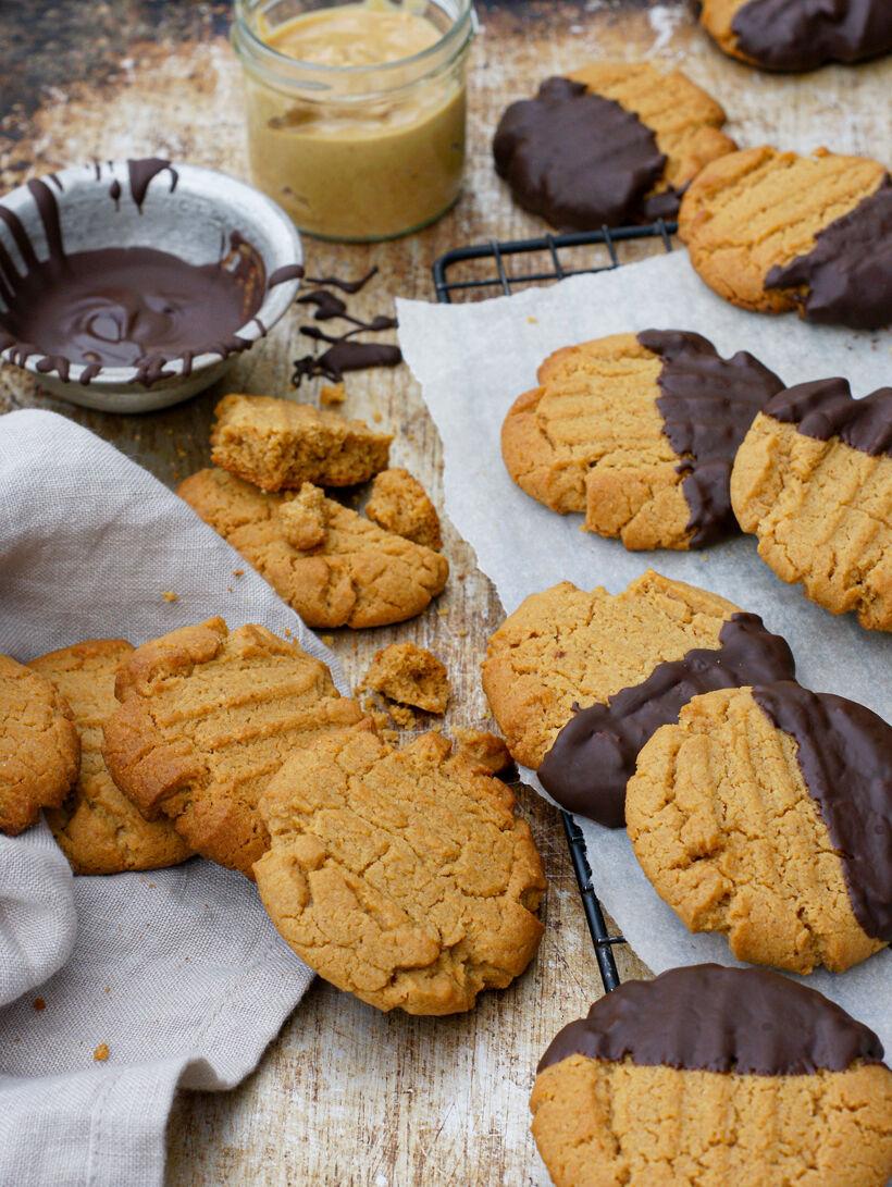 Chokladdoppad jordnötskakor