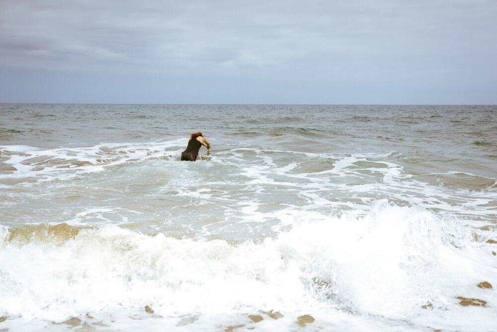 Lisa Beskow - dyker i vattnet